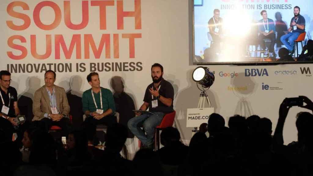 Hector Prieto (YBVR), Javier Polo (Playgiga), Carlos López (Oarsis) y Alberto Iglesias (INNOVADORES)