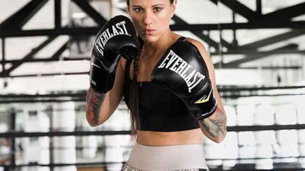 Joana Pastrana posa mientras entrena.