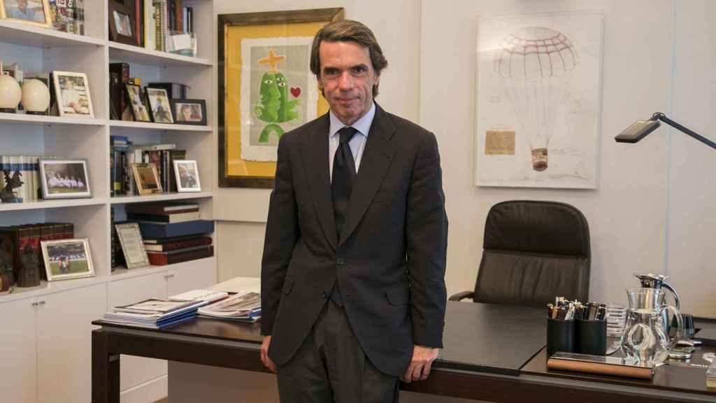 El expresidente posa para EL ESPAÑOL en su despacho de la Fundación Faes.