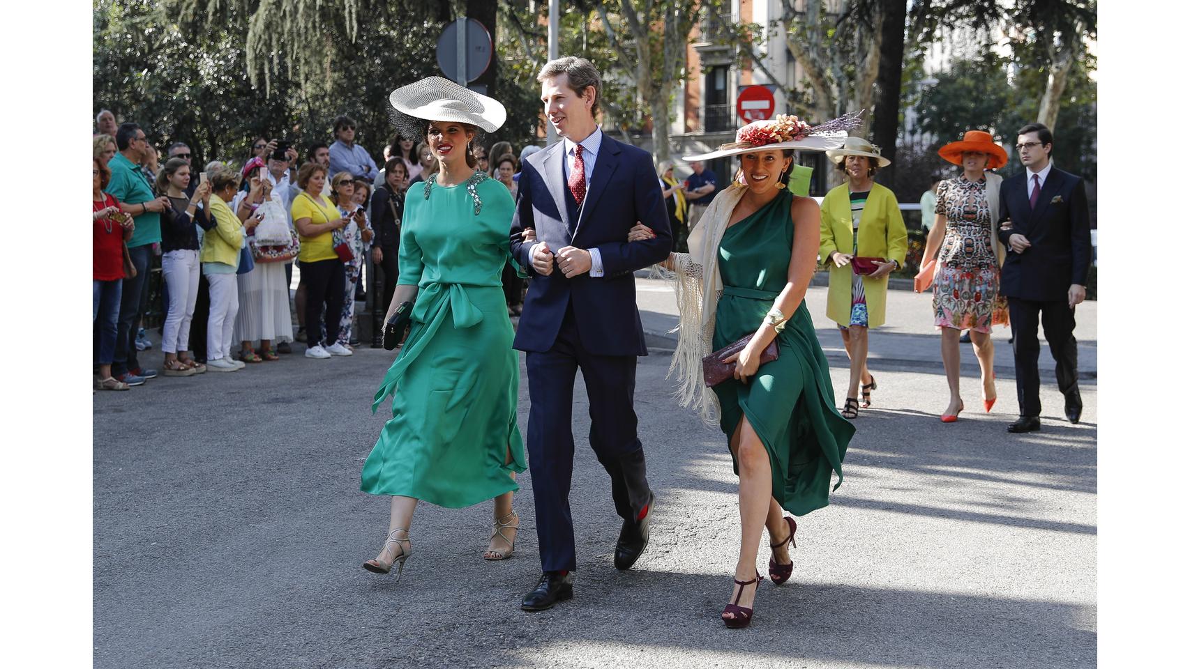 Desfile de invitados a la boda de Fernando Fitz-James Stuart y Sofía Palazuelo