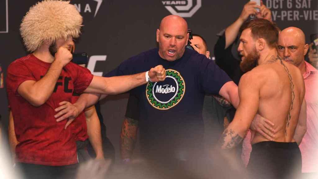 Khabib Nurmagomedov y Conor McGregor, separados por Dana White en el pesaje previo al UFC 229