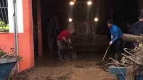 Rafael Nadal colabora en las tareas de recuperación tras las inundaciones de Mallorca Foto: Twitter (@cmarquezdaniel)
