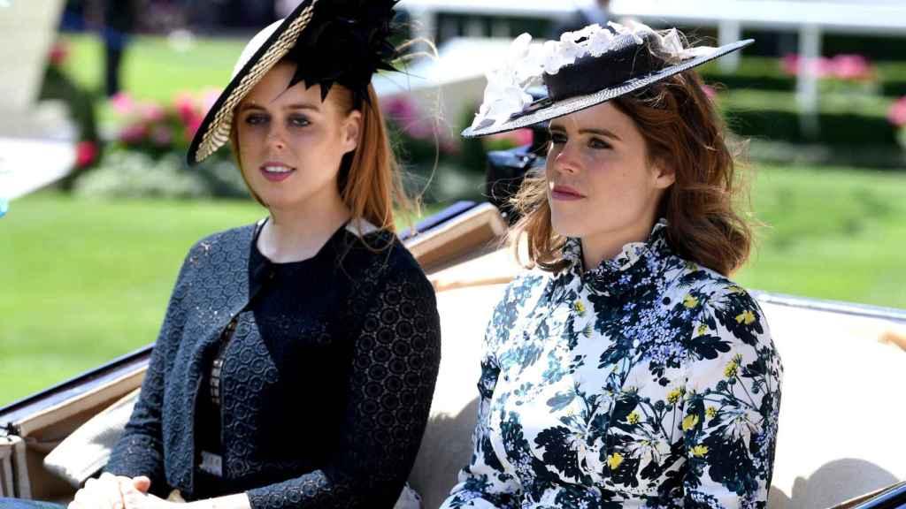 La princesa Eugenia junto a su hermana Beatriz.