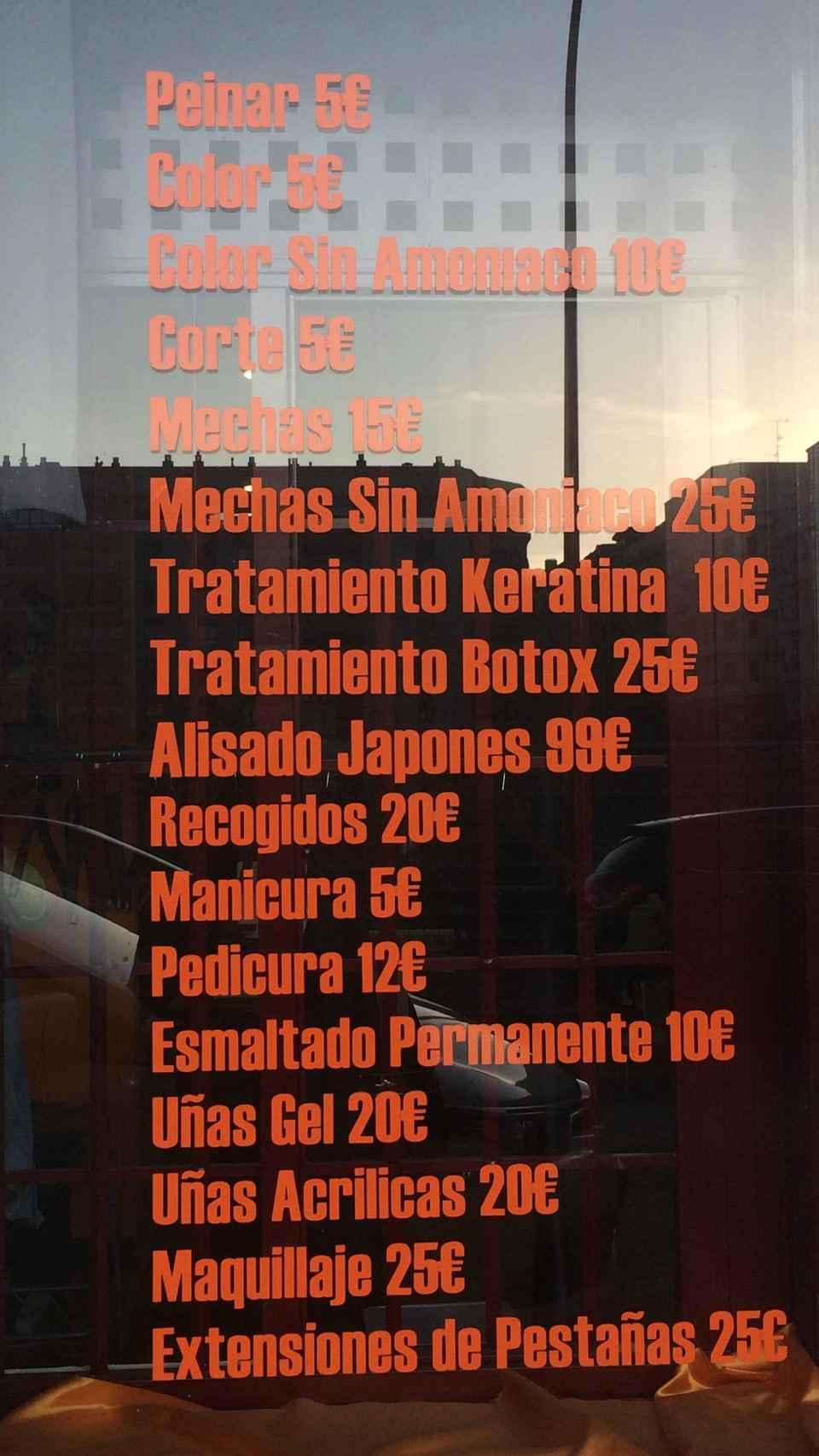 Listado de los precios que aparece en el escaparate.