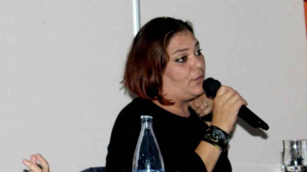 Clara, madre de un menor transexual, durante una intervención en una reunión de la asociación Transboys.