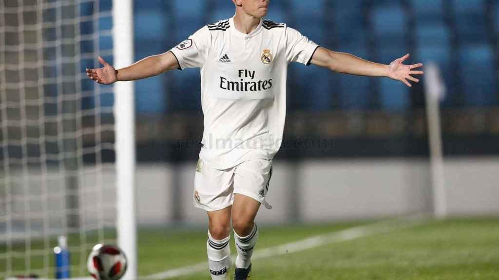 Fidalgo celebrando el gol