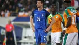 Laurent Koscielny durante un partido de la selección francesa
