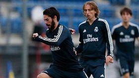 Modric e Isco entrenan con el Real Madrid