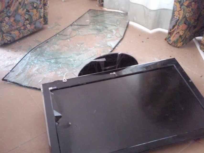 La Policía Científica encontró restos de sangre en el televisor de la casa de Casimiro Villegas, aunque no sirvió para detener al quinto asaltante.