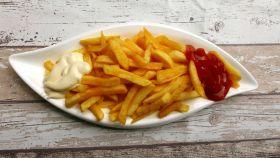 Las patatas fritas son un alimento insano con un exagerado aporte calorico.
