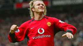 Beckham celebra un gol con la camiseta del United