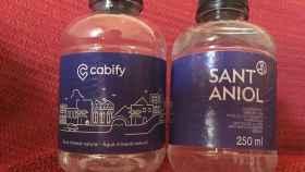 Botellas de plástico de Sant Aniol envasadas para Cabify.
