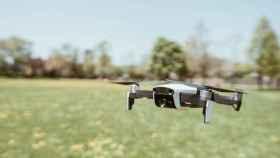 Los primeros experimentos se han hecho con varios drones realizando tareas como la detección y la extinción de incendios.