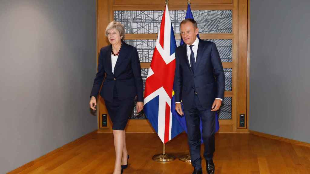 May se ha reunido  con el presidente  del Consejo Europeo, Donald Tusk
