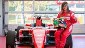 Marta Ariza, primera española en subirse a un Ferrari