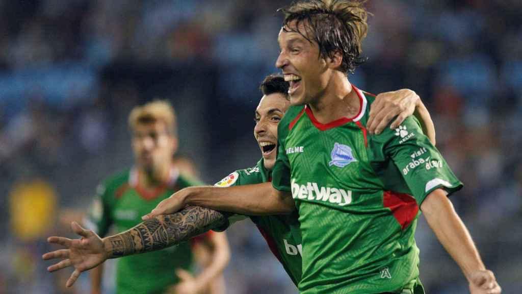 Pina celebra su gol en el Celta - Alavés