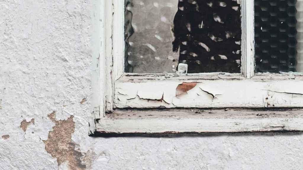Cambiar las ventanas viejas ayuda a reducir la factura energética.