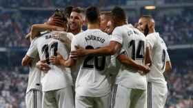 Piña del Real Madrid al celebrar un gol