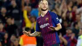 Rakitic en el partido entre el Barcelona y el Sevilla