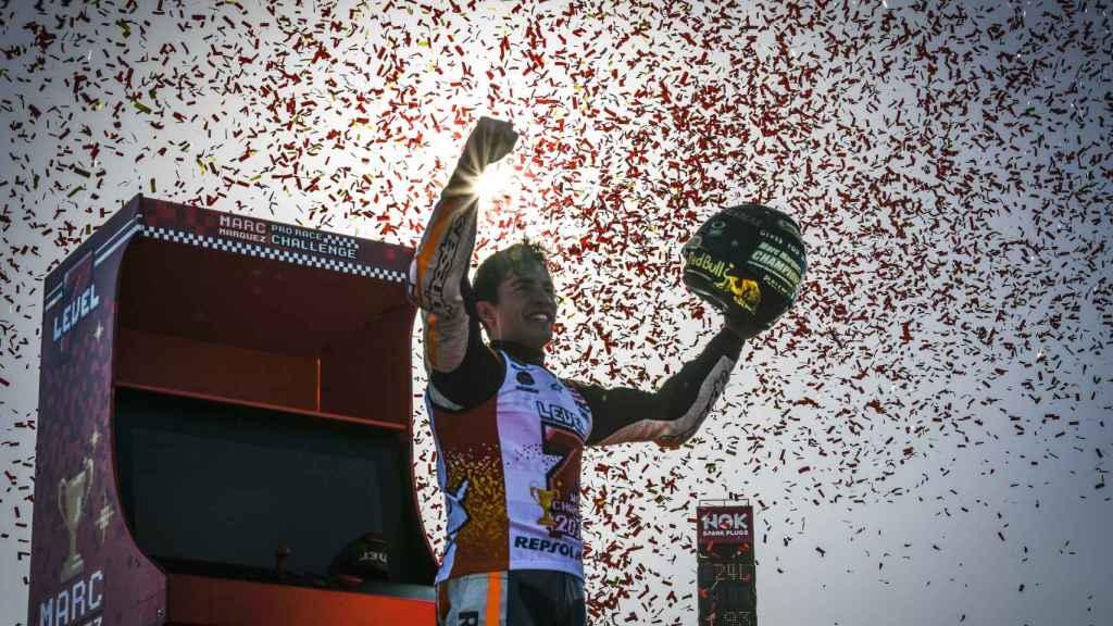 Marc Márquez celebra su séptimo título, en el circuito Twin Ring Motegi.