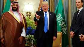 Mohamed bin Salman, Donald Trump y Jared Kushner en Riad.
