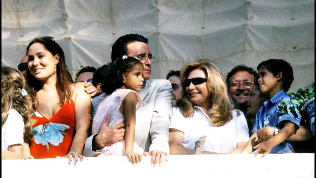 Rocío Jurado en su balcón de Chipiona en 2003.