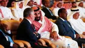 Mohamed bin Salman conversa con el rey Abdalá de Jordania.