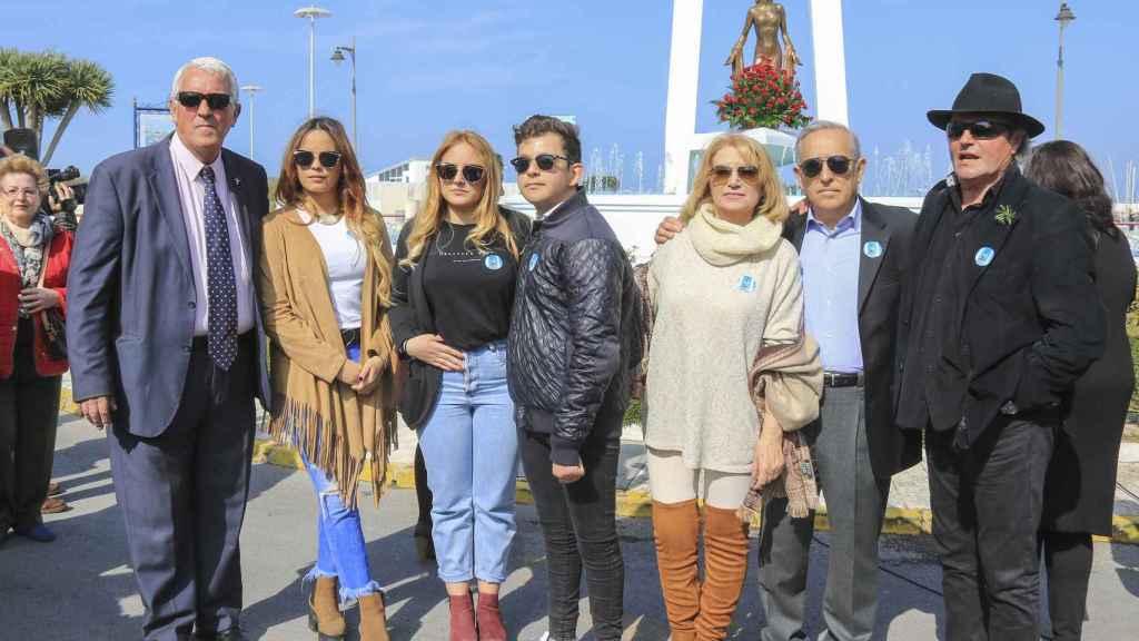 Gloria Mohedano junto a su hermano Amador y su marido José Antonio.