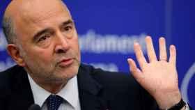 El comisario Moscovici, durante la rueda de prensa en la que se produjo el incidente