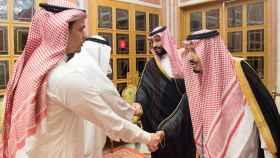 El rey y el príncipe heredero de Arabia Saudí dan el pésame al hijo de Khashoggi.