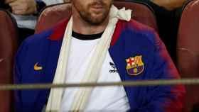 Messi presenciando el Barcelona - Inter de Milán