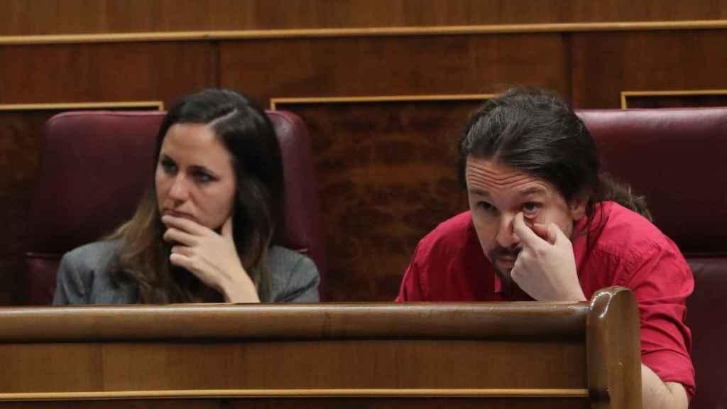 Ione Belarra y Pablo Iglesias, durante la comparecencia del presidente Sánchez en el Congreso.