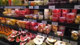 Stand de frutas cortadas