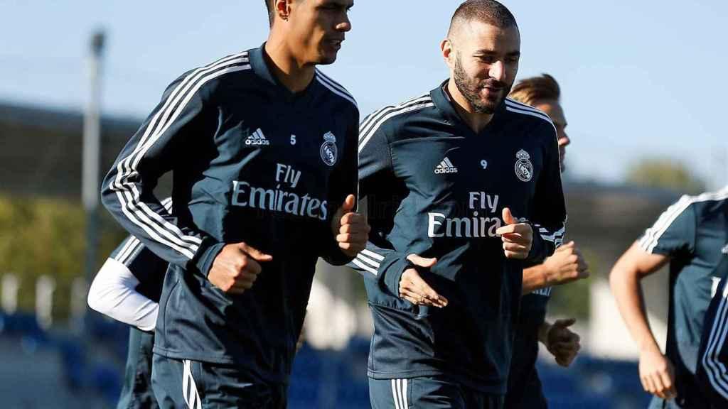 Varane y Benzema se entrenan en Valdebebas