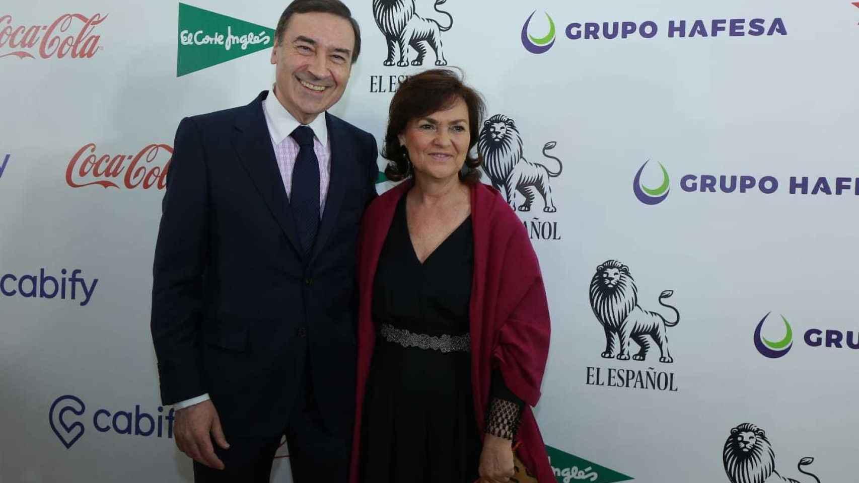 Pedro J. Ramírez junto a la vicepresidente del Gobierno, Carmen Calvo