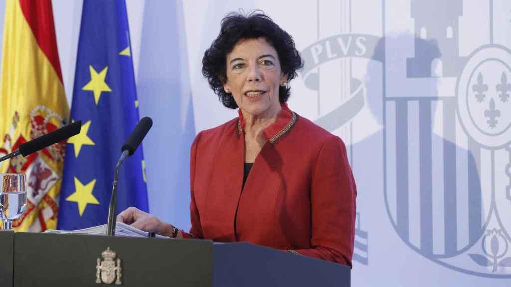 Celaá en la rueda de prensa del Consejo de Ministros, que se ha celebrado este viernes en Sevilla