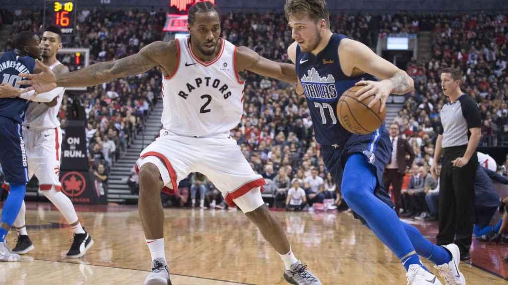 Doncic contra Kawhi Leonard, jugador de Toronto Raptors