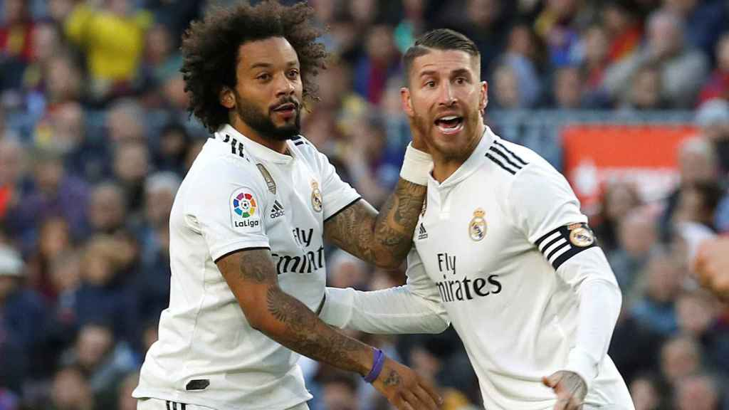Sergio Ramos y Marcelo celebran el gol del brasileño en El Clásico