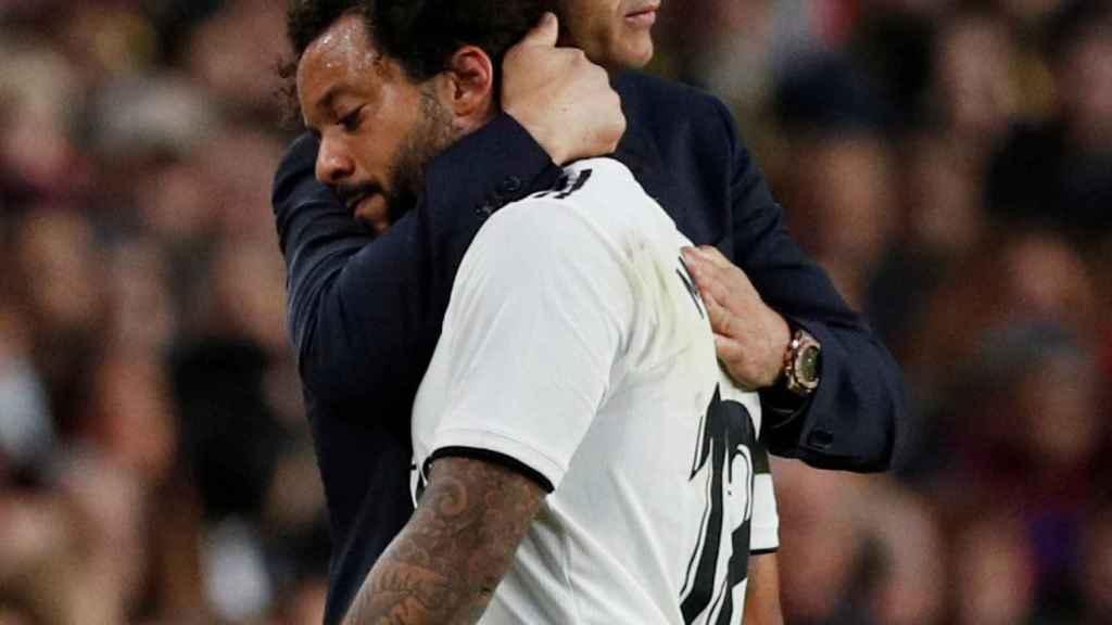 Lopetegui consuela a Marcelo tras su lesión durante El Clásico