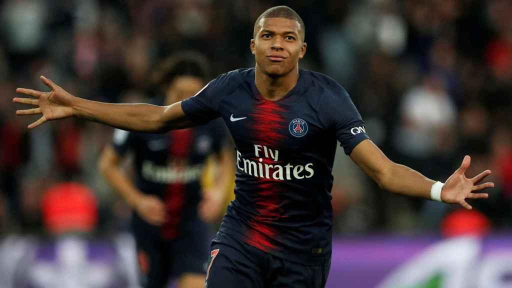 Mbappé celebra un gol en la Ligue-1