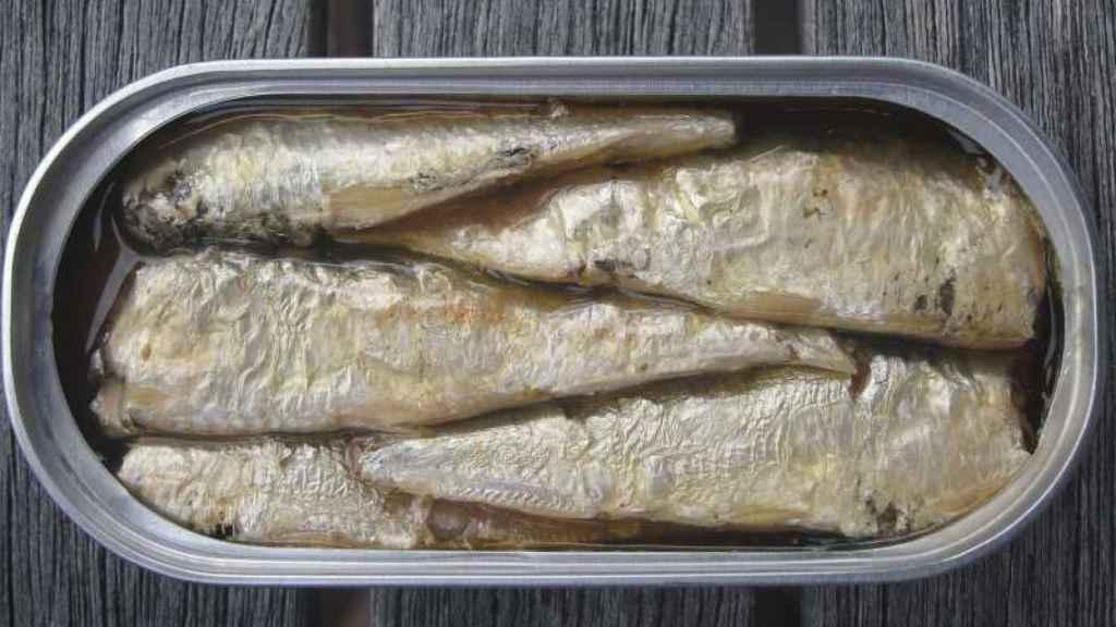 Una lata de sardinas de las que podemos encontrar en el supermercado.
