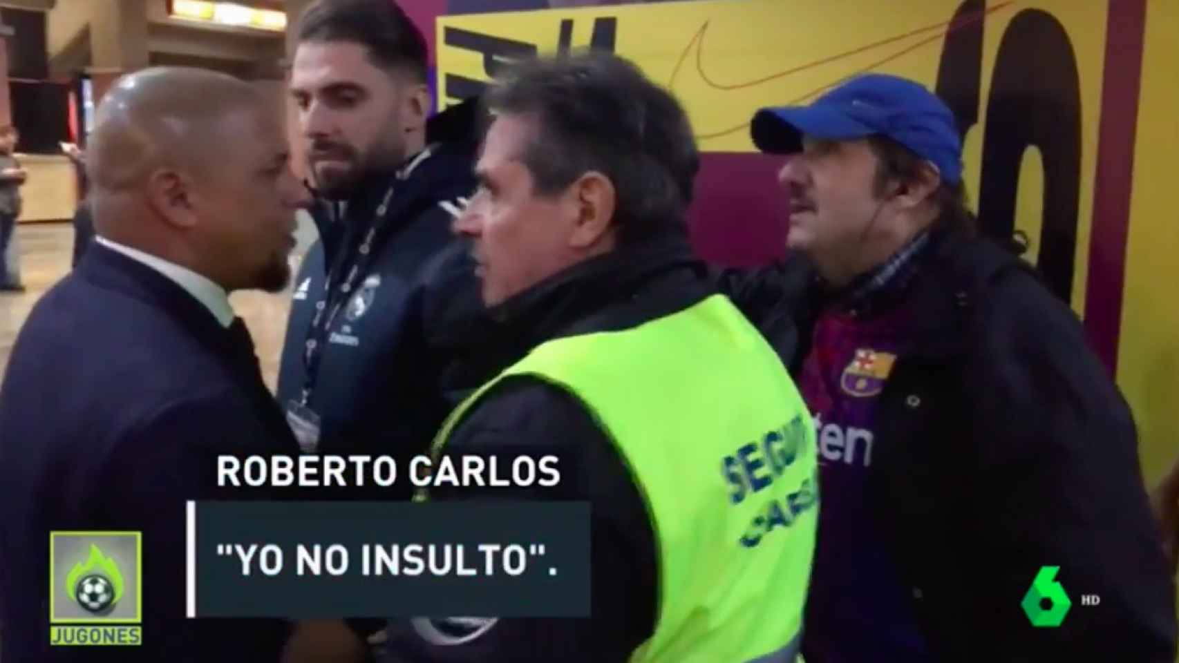 El desagradable ataque que sufrió Roberto Carlos en el Camp Nou por un aficionado culé