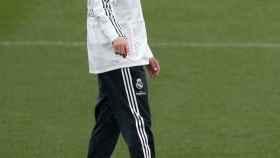 Solari dirige un entrenamiento del Real Madrid