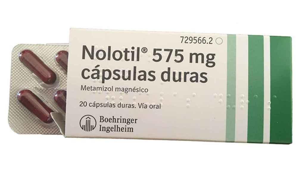 Una caja de Nolotil cápsulas.