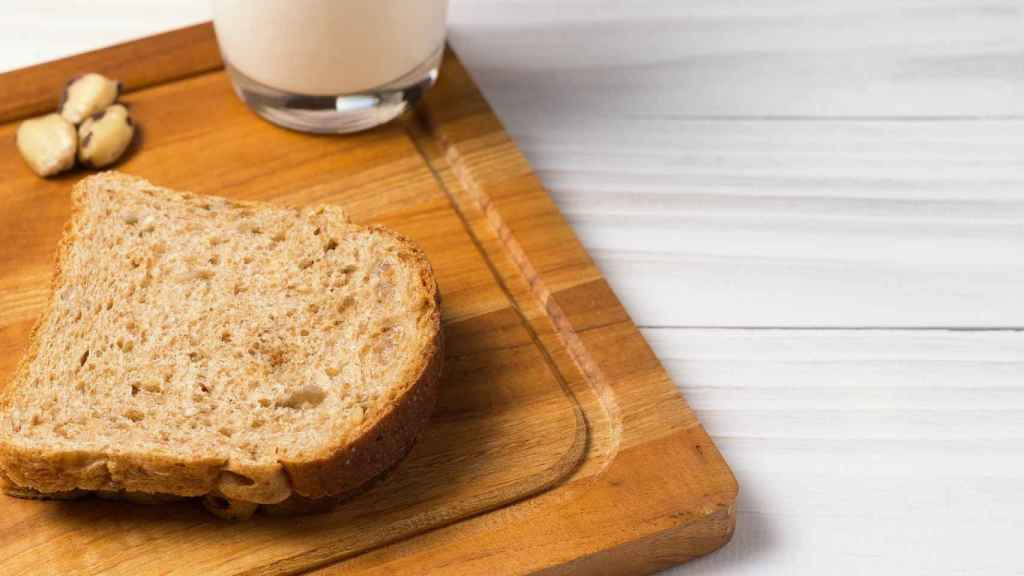 Cuidado con el pan y la leche: quizá sean menos saludables de lo que parecen.