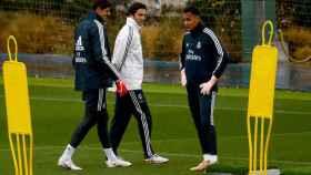 Keylor y Courtois junto a Solari en un entrenamiento del Real Madrid