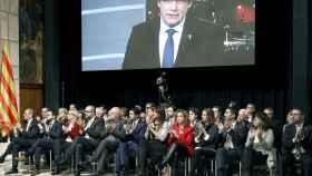 Quim Torra y Pere Aragonés escuchan la intervención por videoconferencia de Carles Puigdemont.