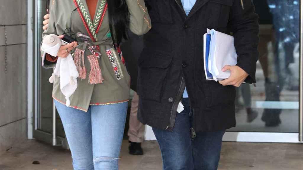 Aurah Ruiz llegando a los juzgados.