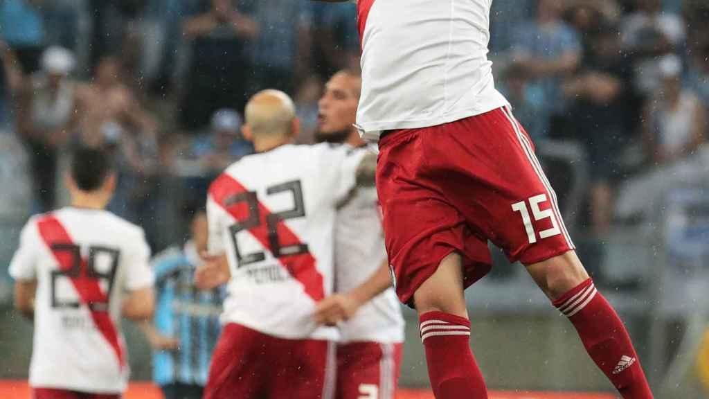 Exequiel Palacios durante el partido Gremio - River Plate