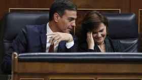 Pedro Sánchez, junto a la vicepresidenta del Gobierno, Carmen Calvo, la semana pasada en el Congreso.